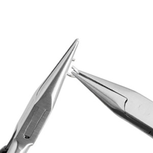 Step Three: Keeping the left pliers steady, rotate your right pliers towards you to open the jump ring.