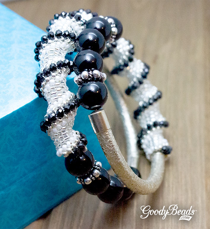 Silver  black miyuki delica beaded earrings /& rings set  Insprinational beadwork